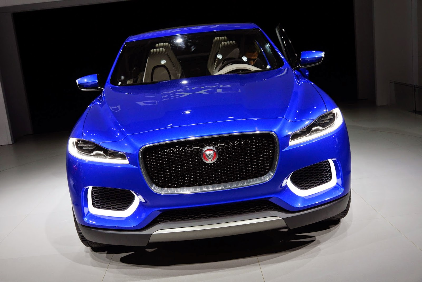 2015-Jaguar-CX-17-front-view
