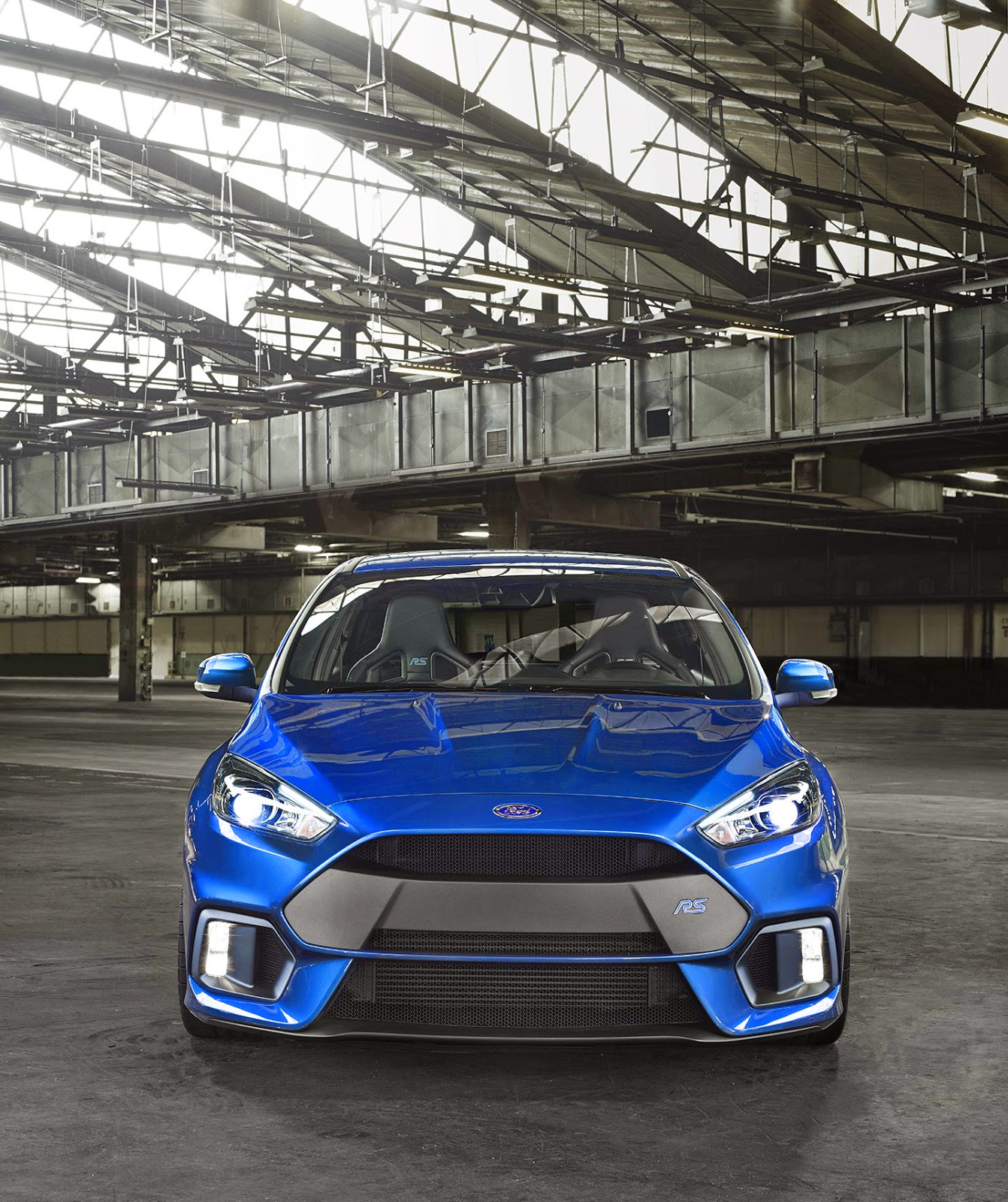 ford-focus-rs-2015-02